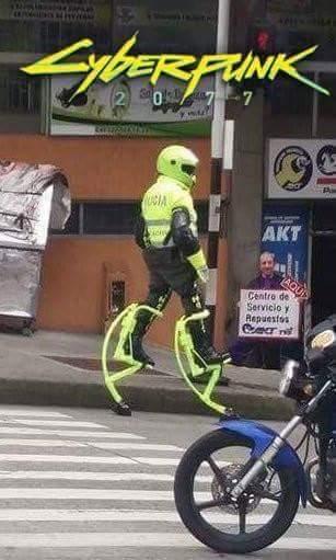 Classe :ladino,raça:humano cyborg, equipamentos :pernas cyberneticas com bônus de pulo e velocidade e capacete tático, roupa bom bônus de camuflagem - meme