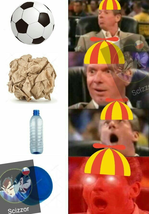 Fútbol en el colegio - meme