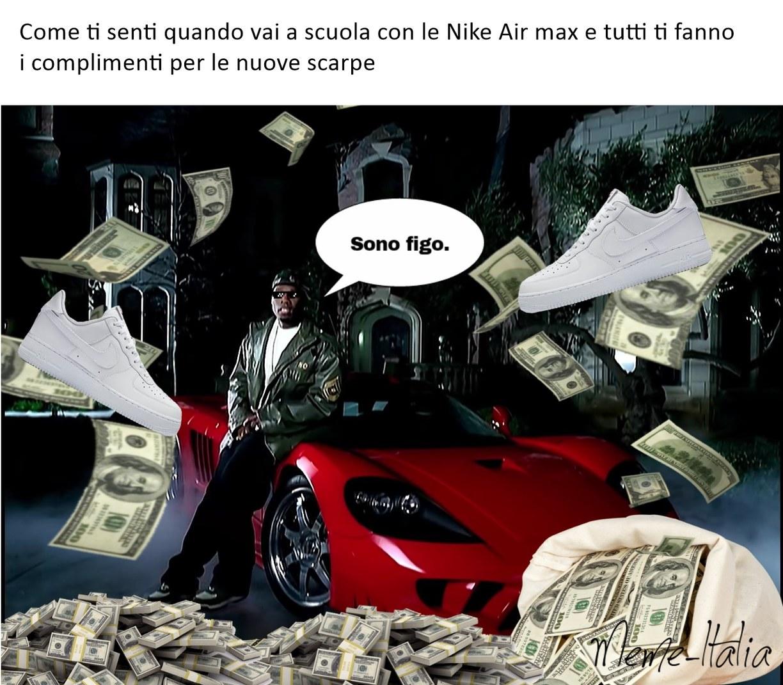 Sponsorizzato da Nike - meme