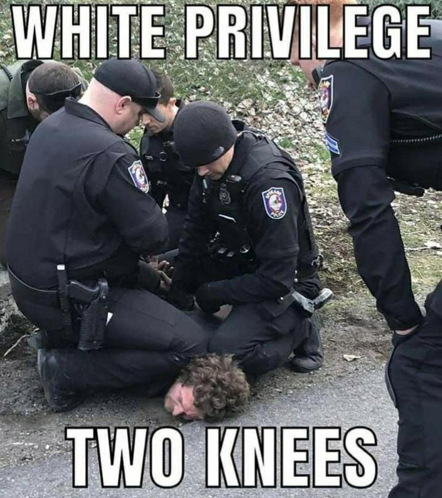 Privilegio blanco, 2 rodillas xdd - meme