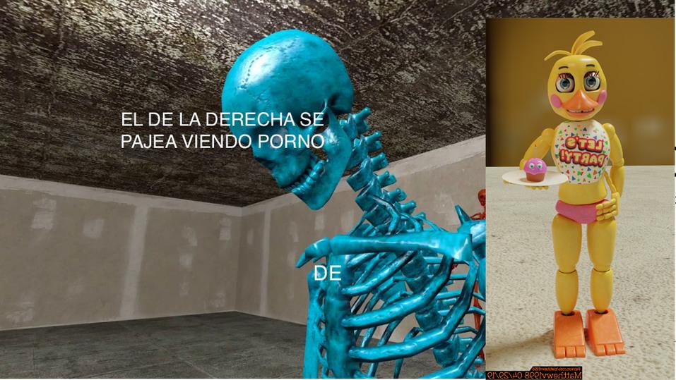 EL DE LA DERECHA/ABAJO SE PAJEA VIENDO PORNO DE TOYCHICA - meme