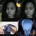 Boi wtf her head look like a potato