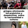 """Si eres mexicano eres un narcotraficante,en no serlo te miran bien,  si eres chino eres el """"coronavirus"""", si tienes una cultura diferente te critican y te atacan..."""