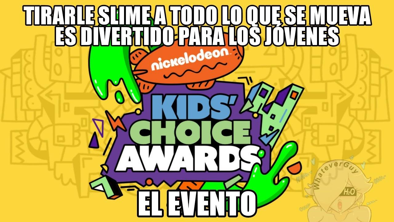 Nickelodeon después de bañar a un tipo con slime: Joder cuanta CUMedia - meme