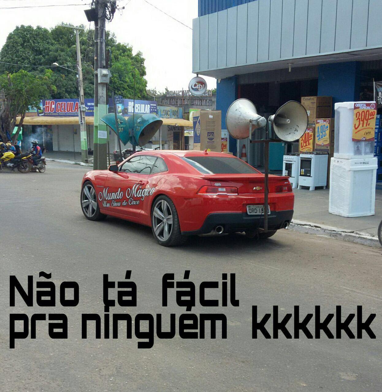 Dilma saiu mas a crise continua - meme
