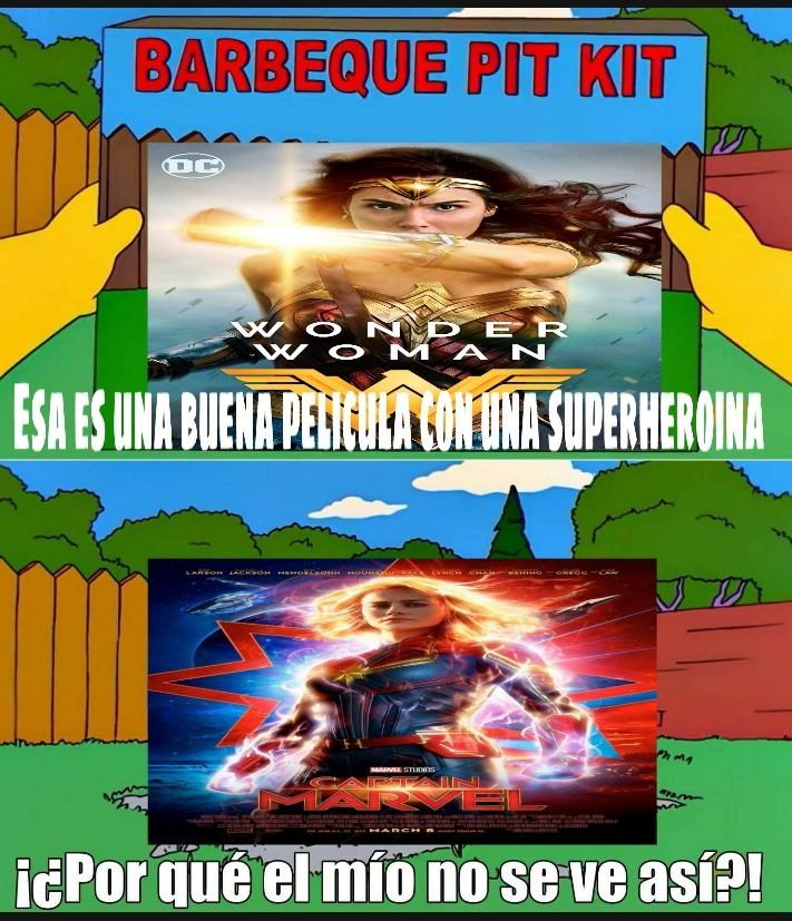 Wonder woman y aquaman deben ser lo unico bueno del universo de dc - meme