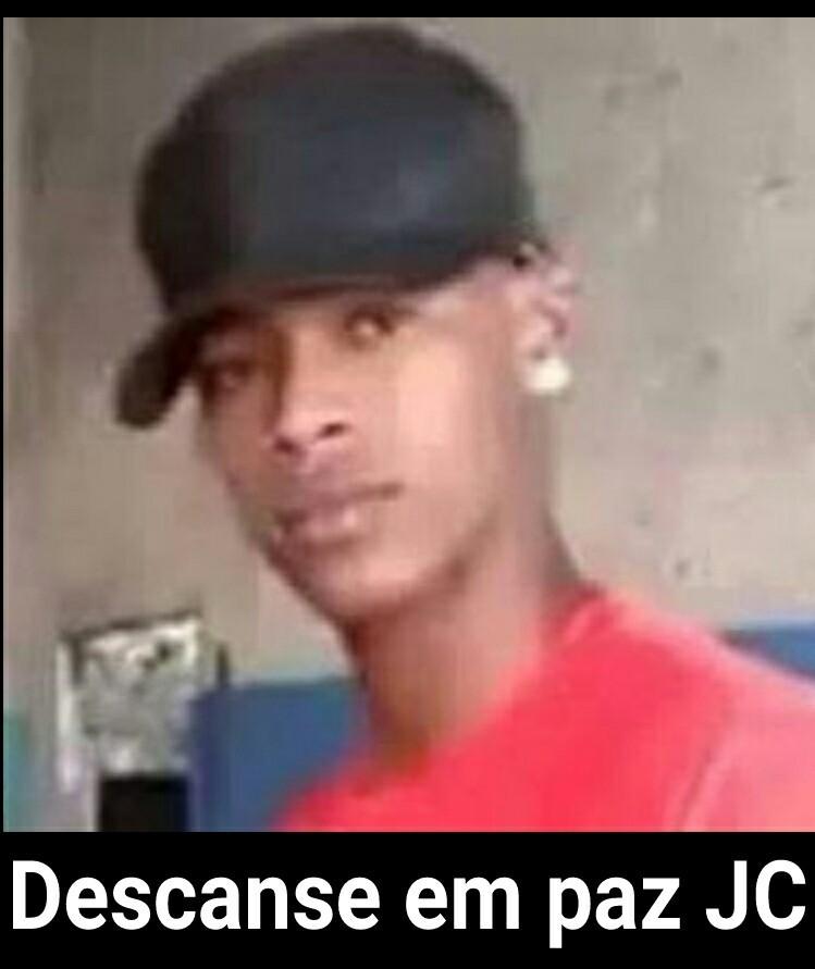 Descanse em paz eterno JC - meme