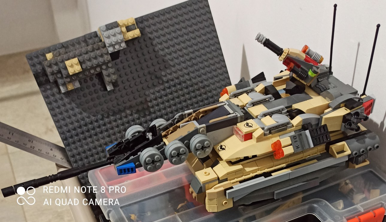 Tanque de LEGOs actualizado - meme
