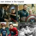 Eu amo isso quando meus heróis favoritos visitam crianças no hospital