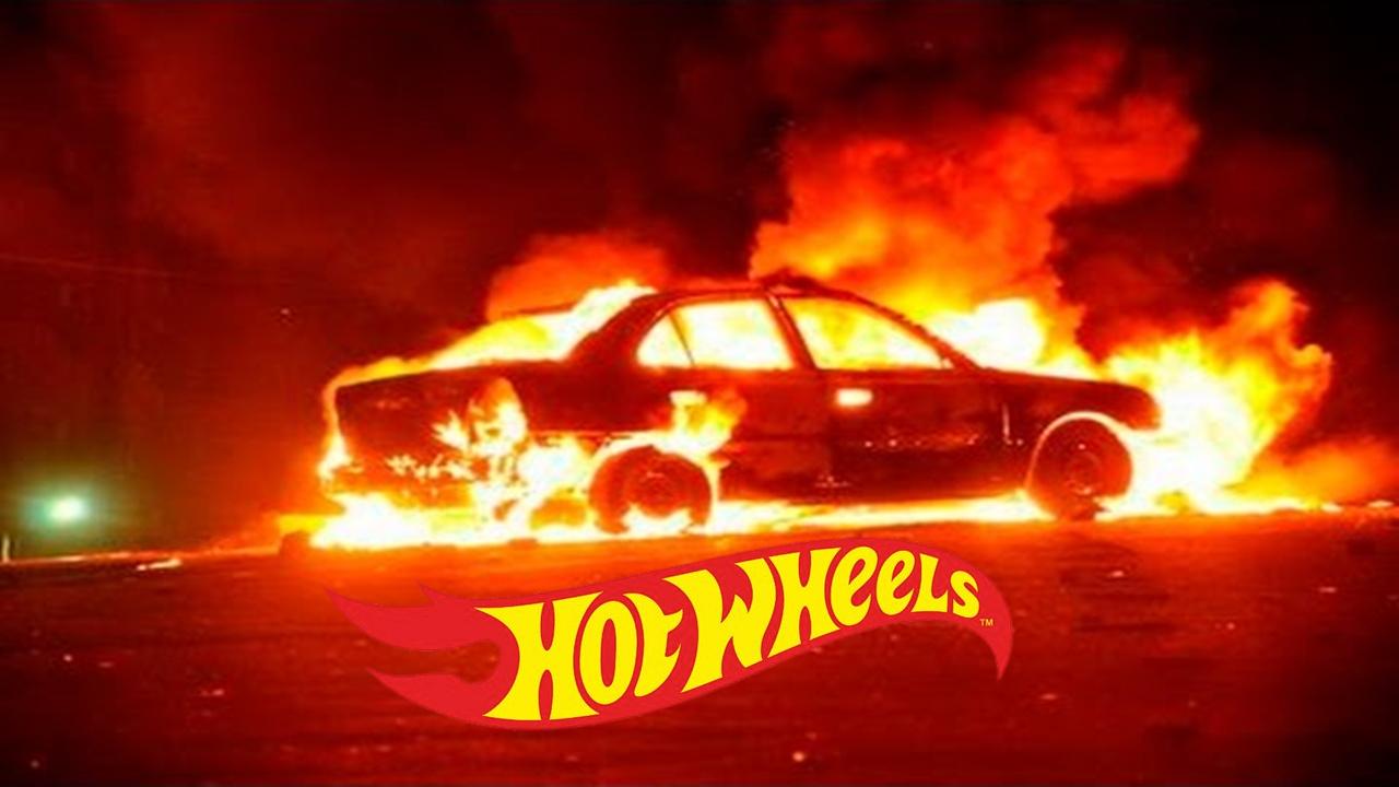 autos quemandose 2021 google buscar -  poner png de hotwheels y listo: te sale mememierda