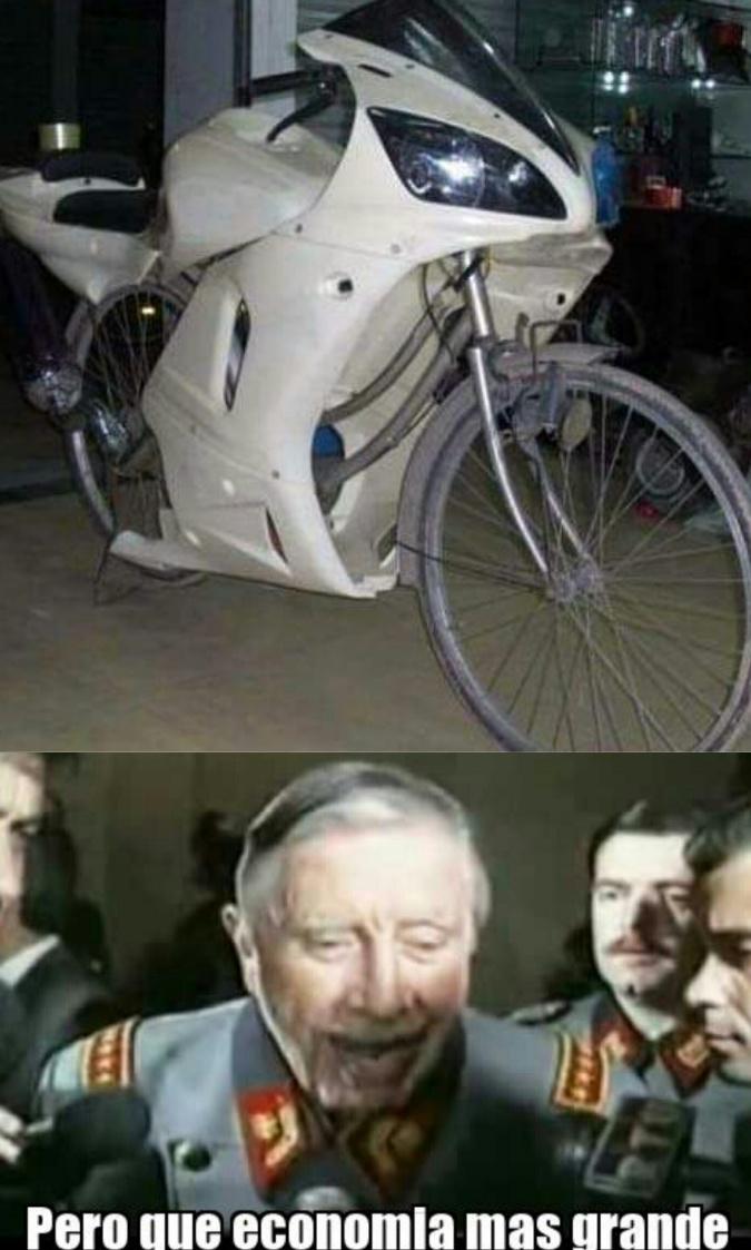 Moto, nivel: pobre - meme