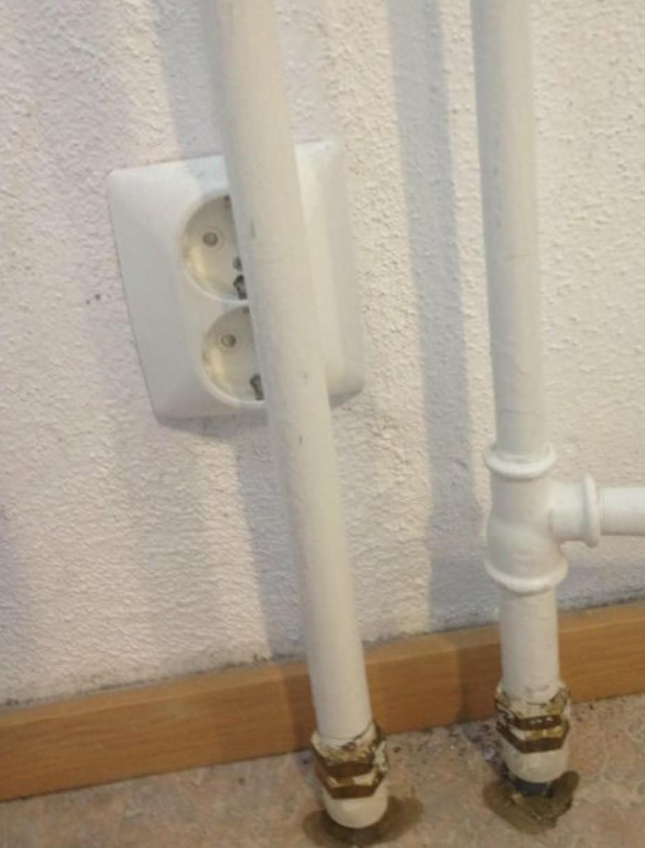Wall plug at my shcool - meme