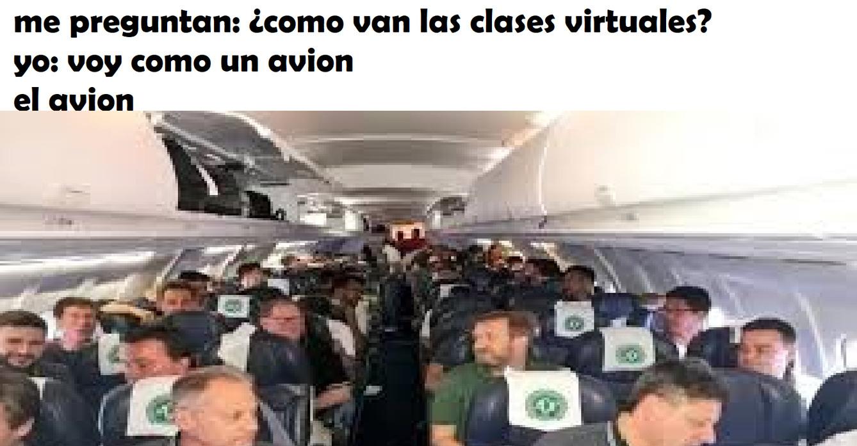 contexto: el avion es del equipo chapecoense que se dirigia a medellin, colombia para jugar la final de ida de la sudamericana pero ya casi llegando el avion se estrello - meme