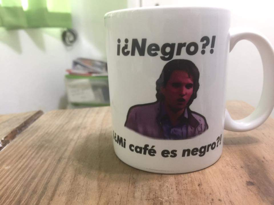 El Título es un café Negro. - meme