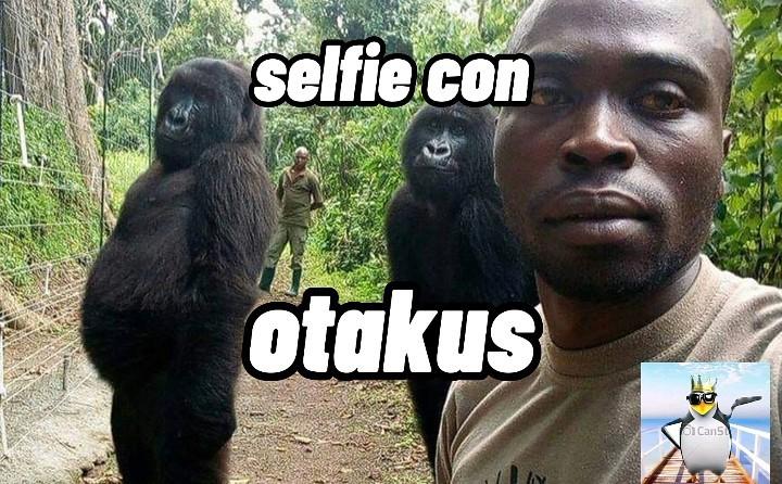 Selfie con otakus - meme