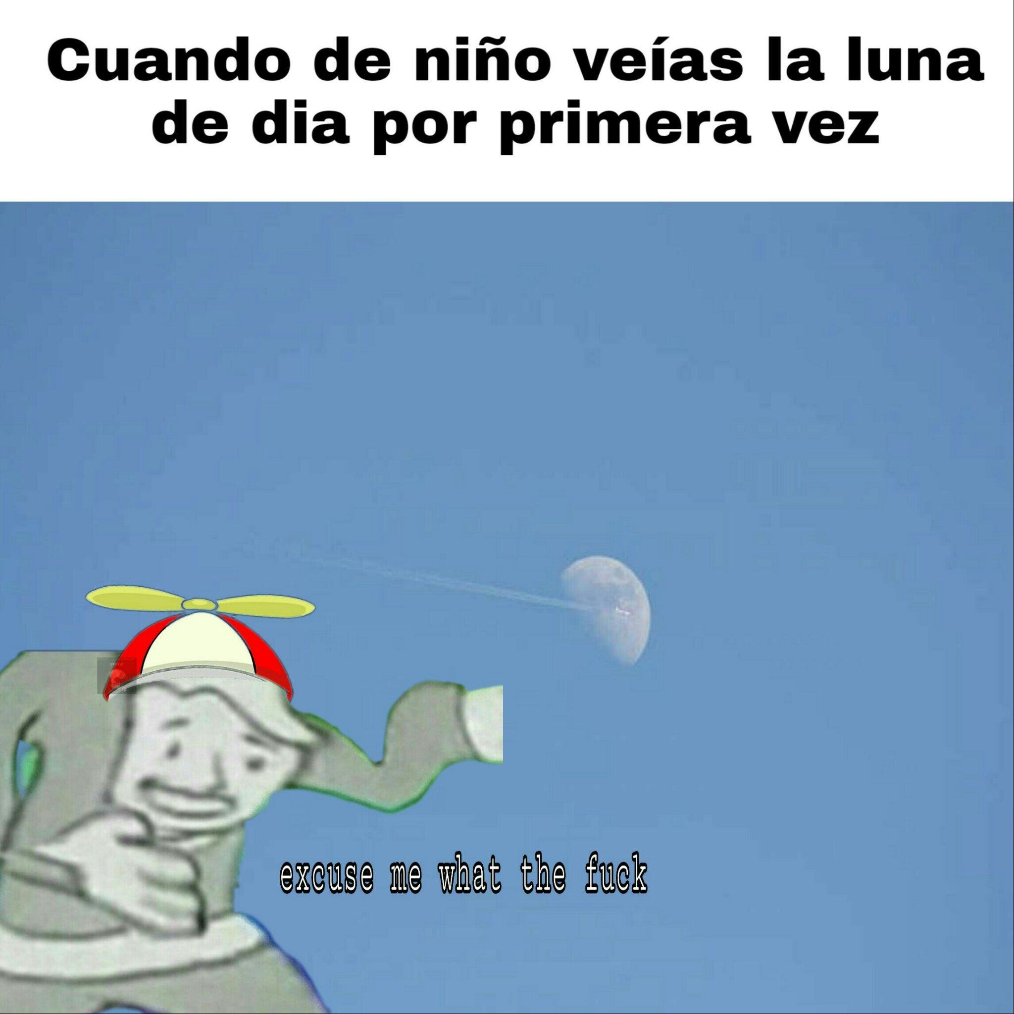 El titulo violó a la luna - meme