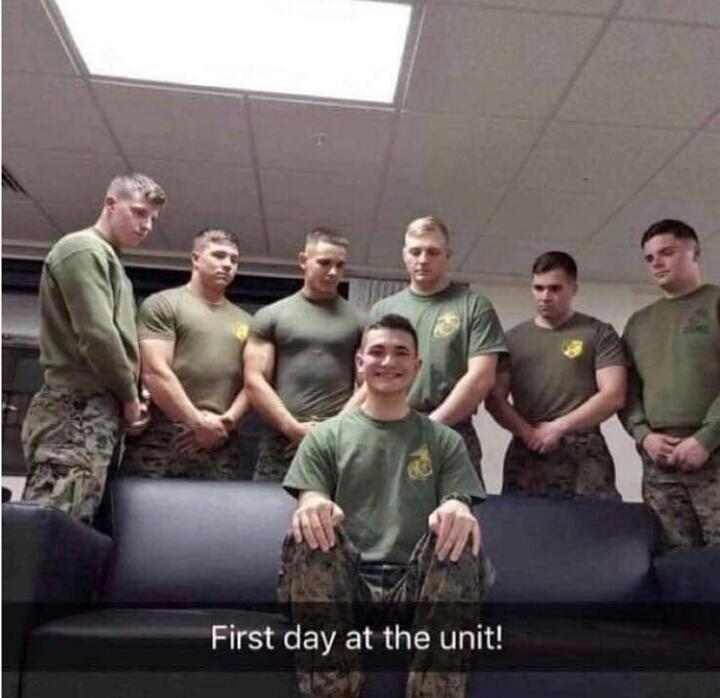 Premier jour dans l'unité ! - meme