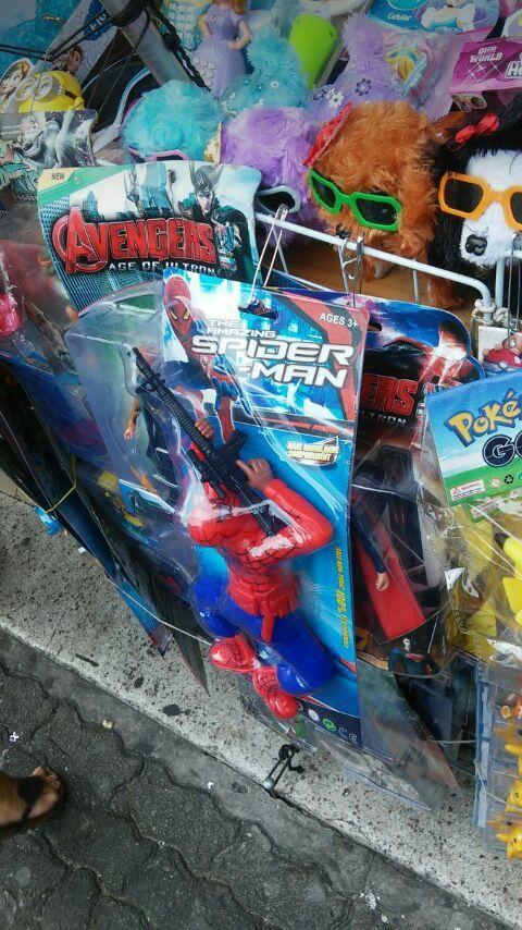 Eis que o Homem-Aranha chega ao RJ - meme