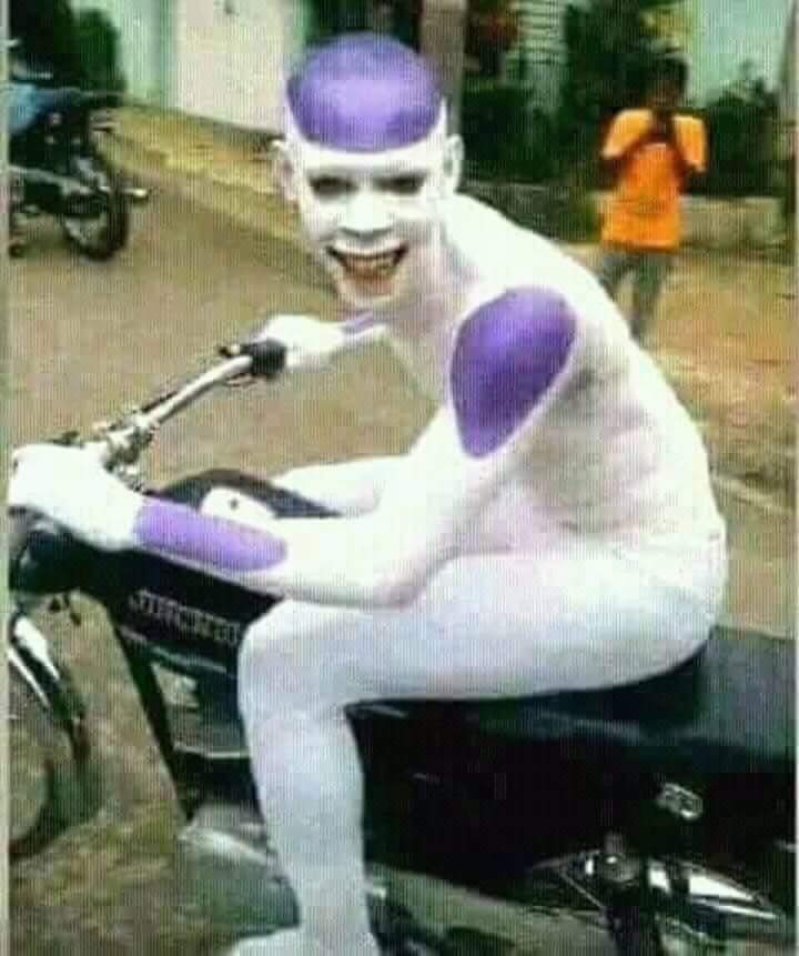 Titulo foi andar de moto com o Picolo - meme