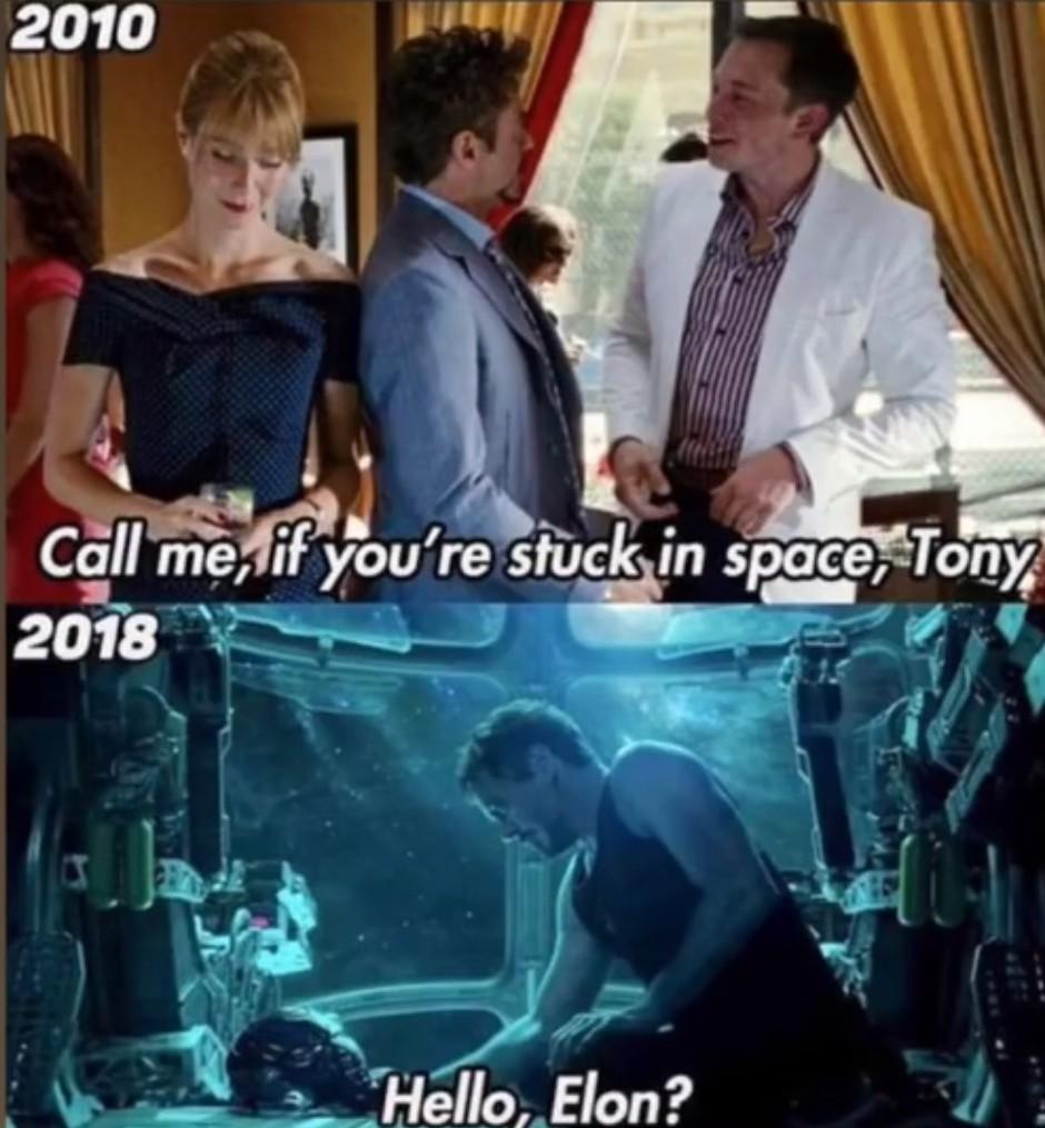 Il arrive en Tesla de l'espace - meme