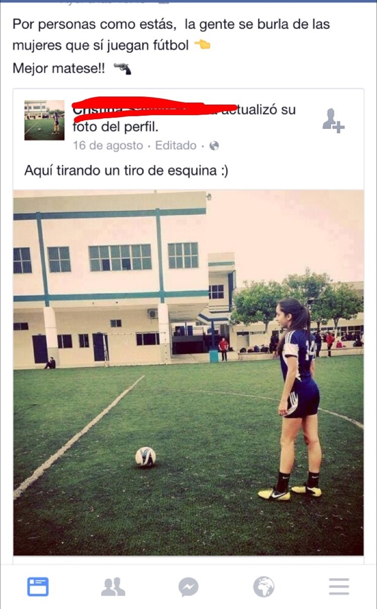 Por personas como esta la gente sé burla por las mujeres que en verdad sí juegan fútbol - meme