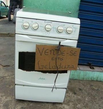 Segundo o Inmetro, a geladeira não recebeu o selo de garantia porque simplesmente derretia os alimentos. - meme