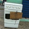 Segundo o Inmetro, a geladeira não recebeu o selo de garantia porque simplesmente derretia os alimentos.
