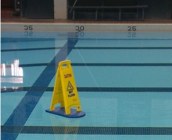 Wet floor - meme