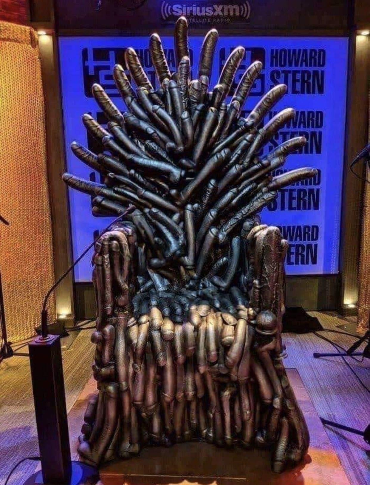 Solução para todas as tretas que teve para ver quem ia sentar no trono - meme