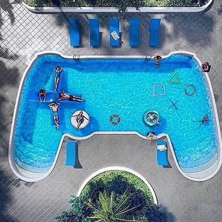 mando de la piscina cuatro XD - meme