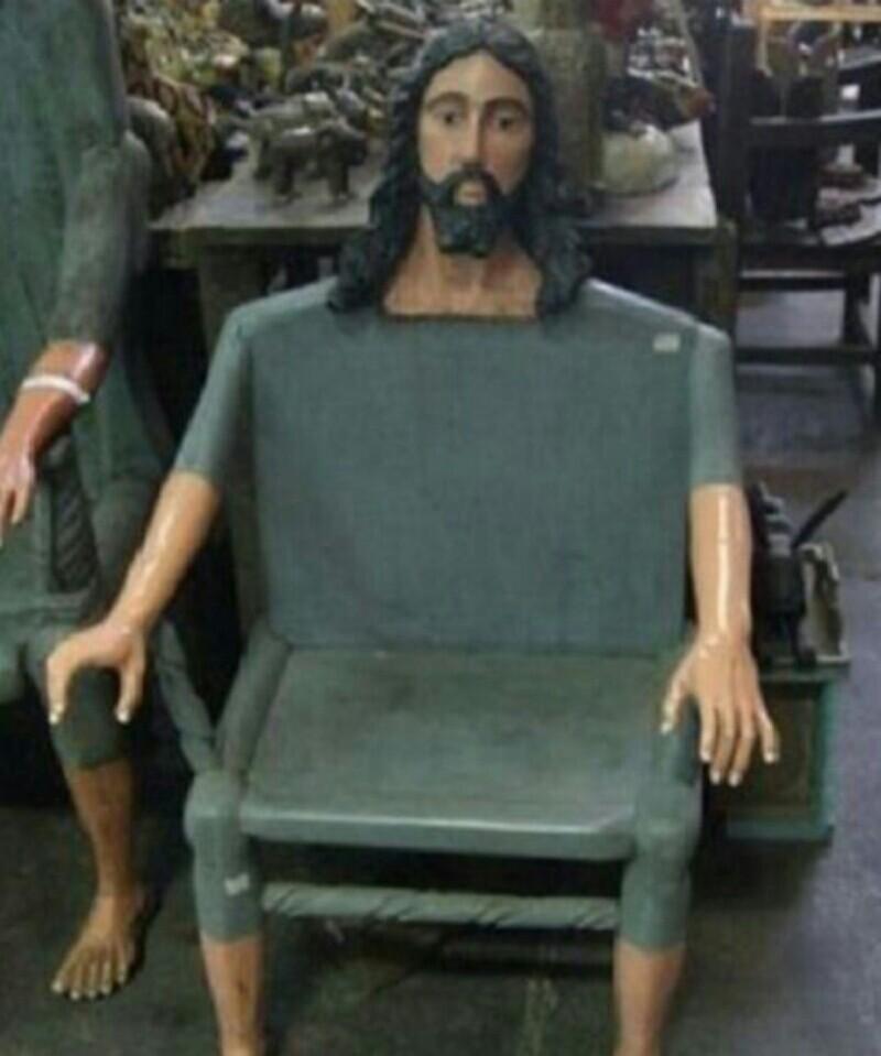 Cristo nos protege - meme