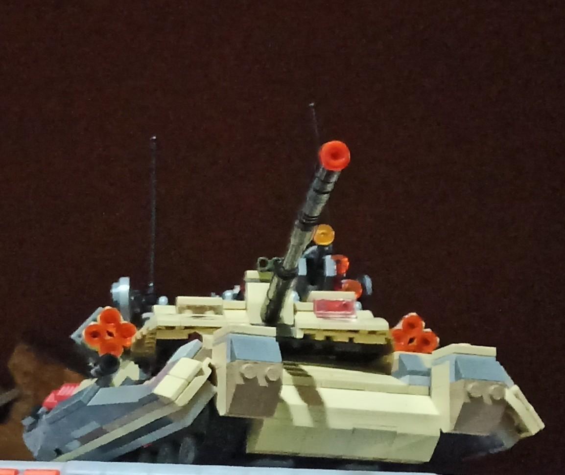 Un tanque de lego - meme