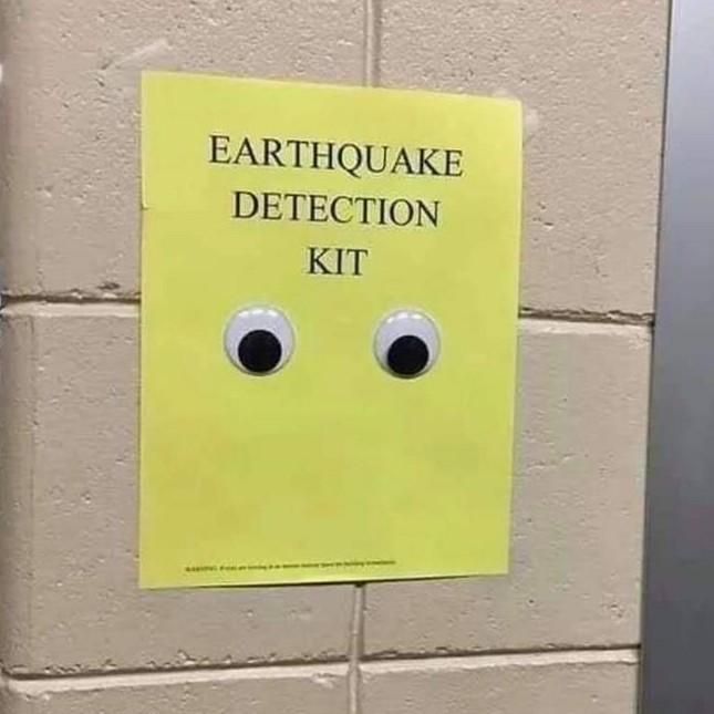 Detector de terremoto - meme