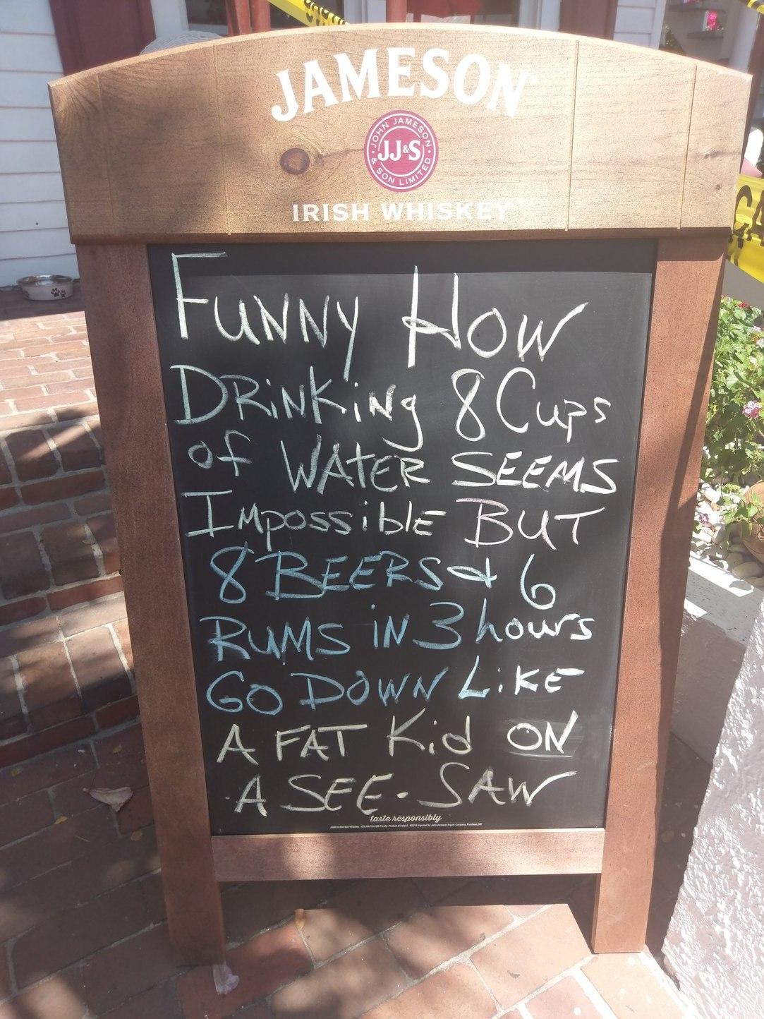 How you know you found a good bar - meme