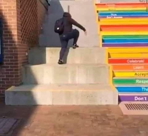 put0 si piso esa escaleras - meme