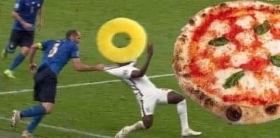 Pizza à l'ananas - meme