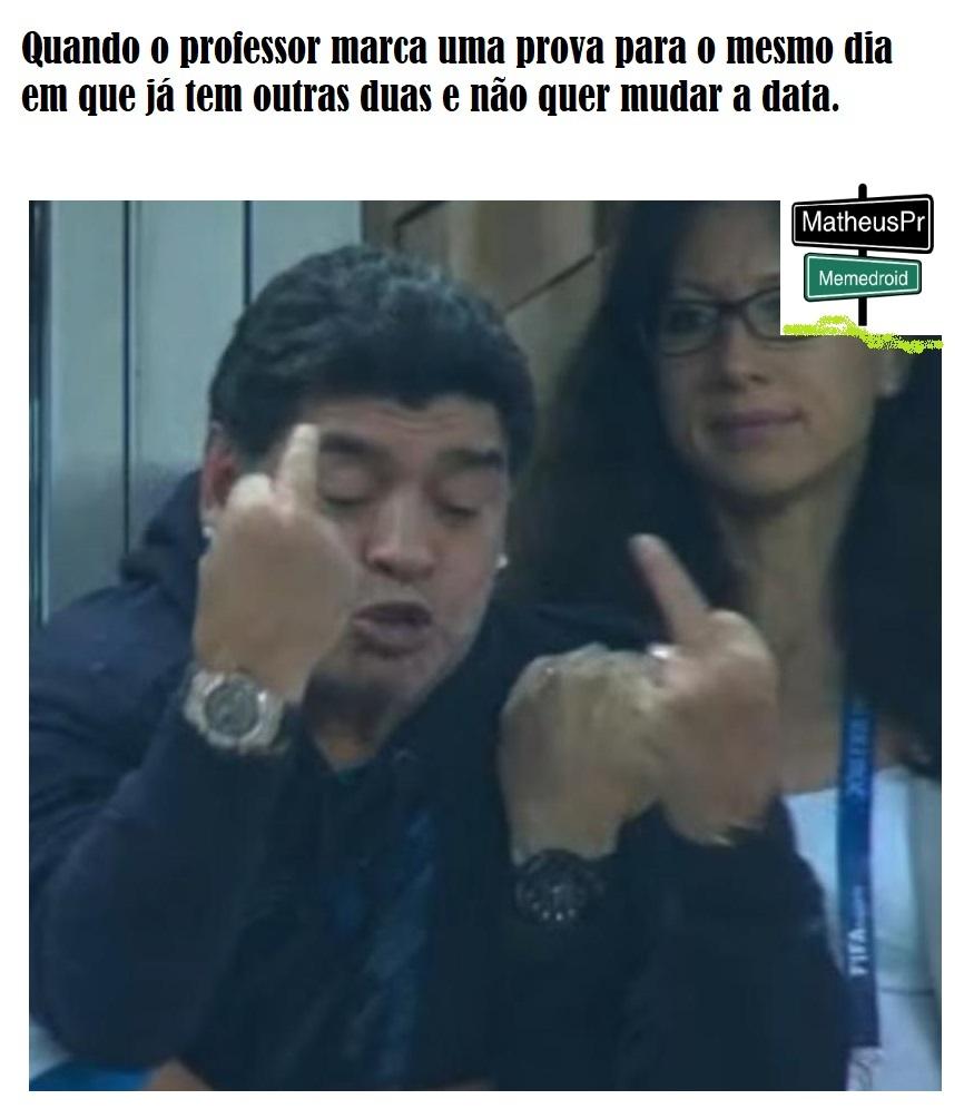 Maradona penta louco ligado na coca - meme