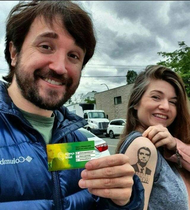 Leão e Nilse são Bolsonaro 2022, finalmente se renderam ao mito!!!!!!! - meme